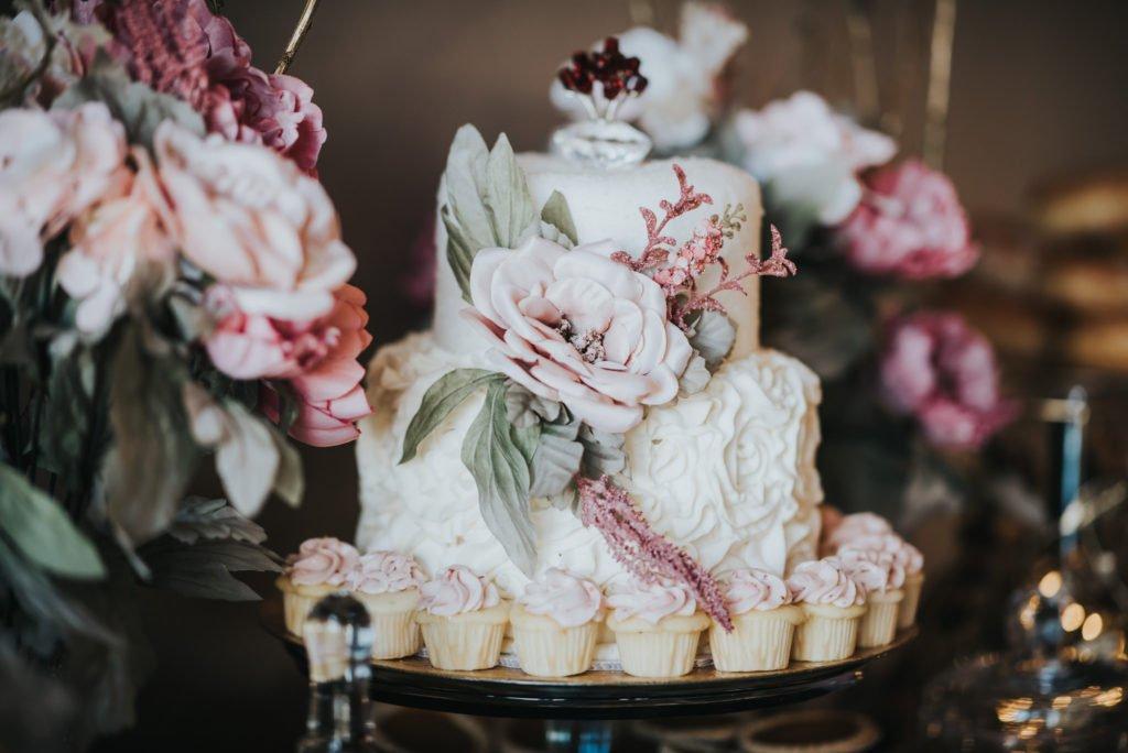 weding cake table detail