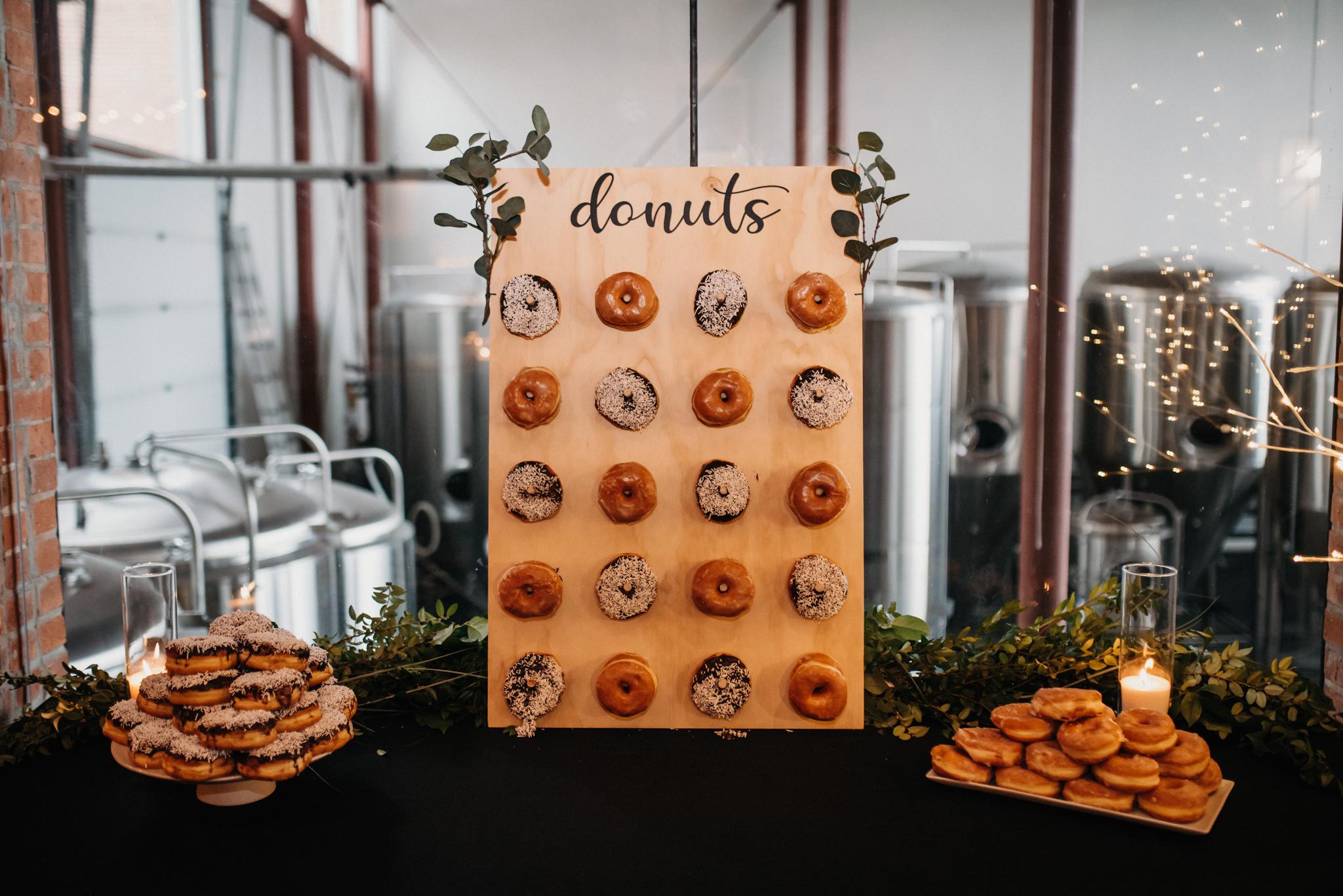 wedding reception donuts